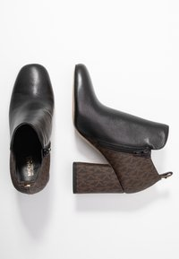 MICHAEL Michael Kors - DIXON  - Kotníková obuv - black/brown - 3