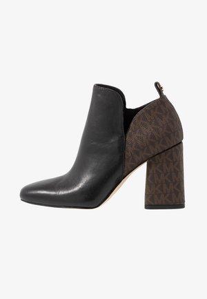 DIXON  - Kotníková obuv - black/brown