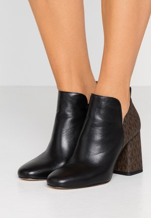 DIXON  - Ankle Boot - black/brown