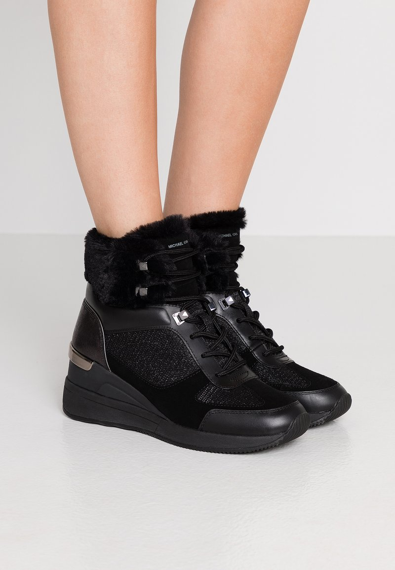MICHAEL Michael Kors - Classic ankle boots - black