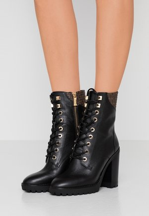 BASTIAN LACE UP - High heeled ankle boots - black/brown