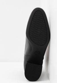 MICHAEL Michael Kors - ALANE FLEX BOOTIE - Botines bajos - black - 6
