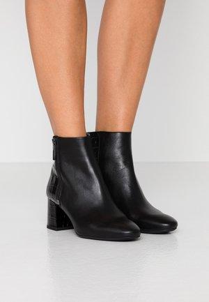 ALANE FLEX BOOTIE - Boots à talons - black