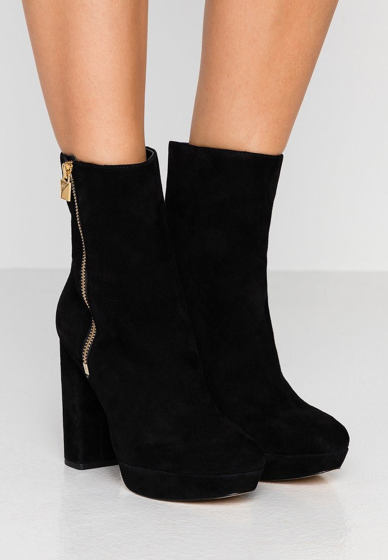 MICHAEL Michael Kors - FRENCHIE PLATFORM BOOTIE - Bottines à talons hauts - black