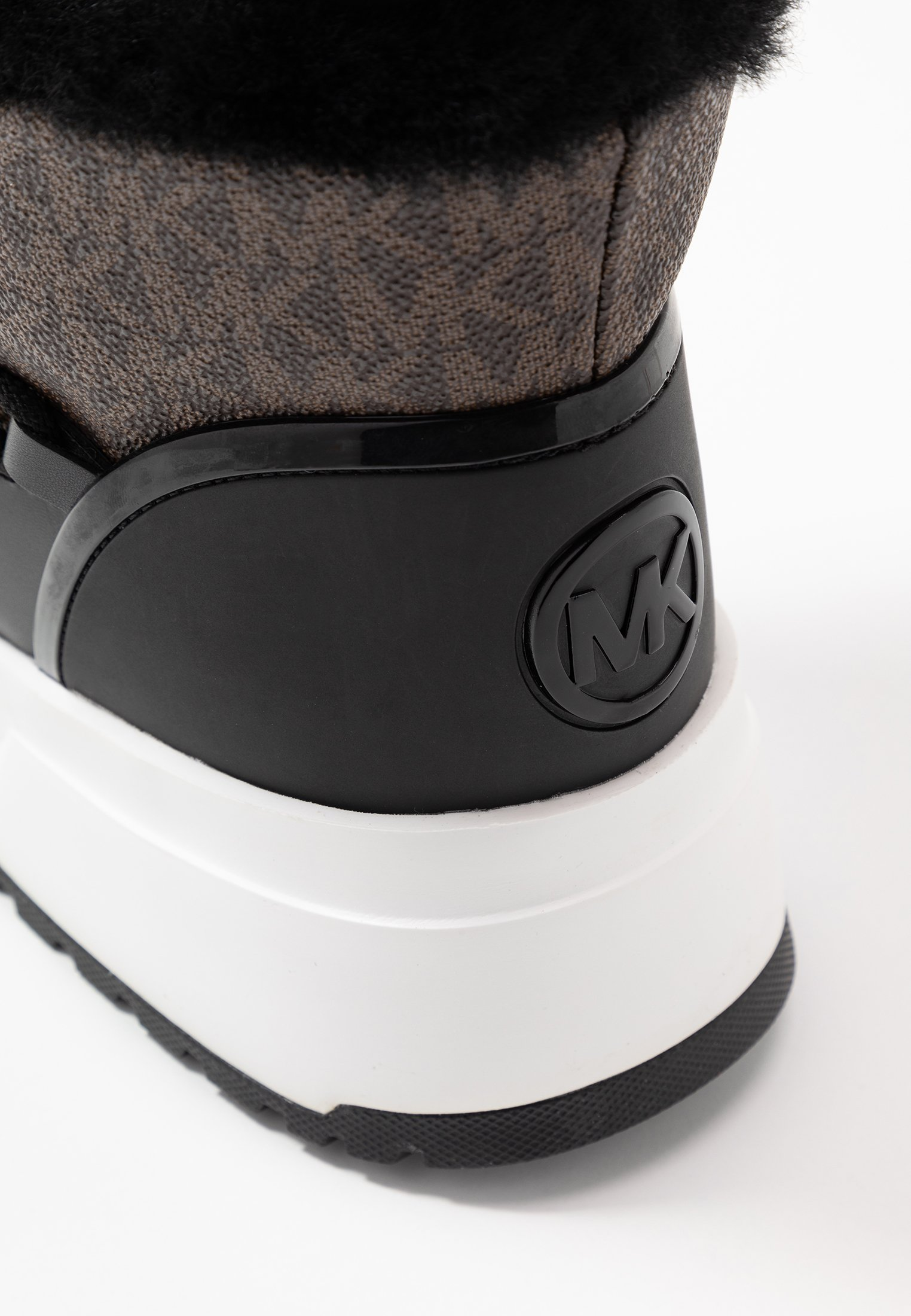 MICHAEL Michael Kors CASSIA BOOTIE - Botki na platformie - black/brown