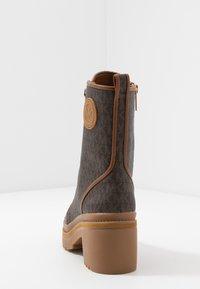 MICHAEL Michael Kors - COREY BOOTIE  - Kotníkové boty na platformě - brown - 5