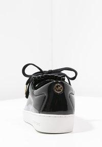 MICHAEL Michael Kors - KEATON KILTIE - Sneaker low - black - 5