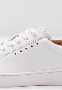 MICHAEL Michael Kors - IRVING - Sneakers basse - optic white/vanilla - 2