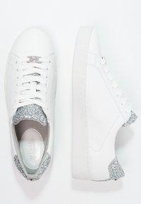 MICHAEL Michael Kors - IRVING - Sneakersy niskie - optic white/silver - 2
