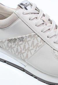 MICHAEL Michael Kors - ALLIE - Zapatillas - vanilla - 6
