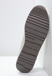 MICHAEL Michael Kors - ALLIE - Zapatillas - vanilla - 5
