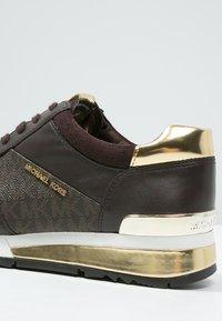 MICHAEL Michael Kors - ALLIE - Sneakers - brown - 6