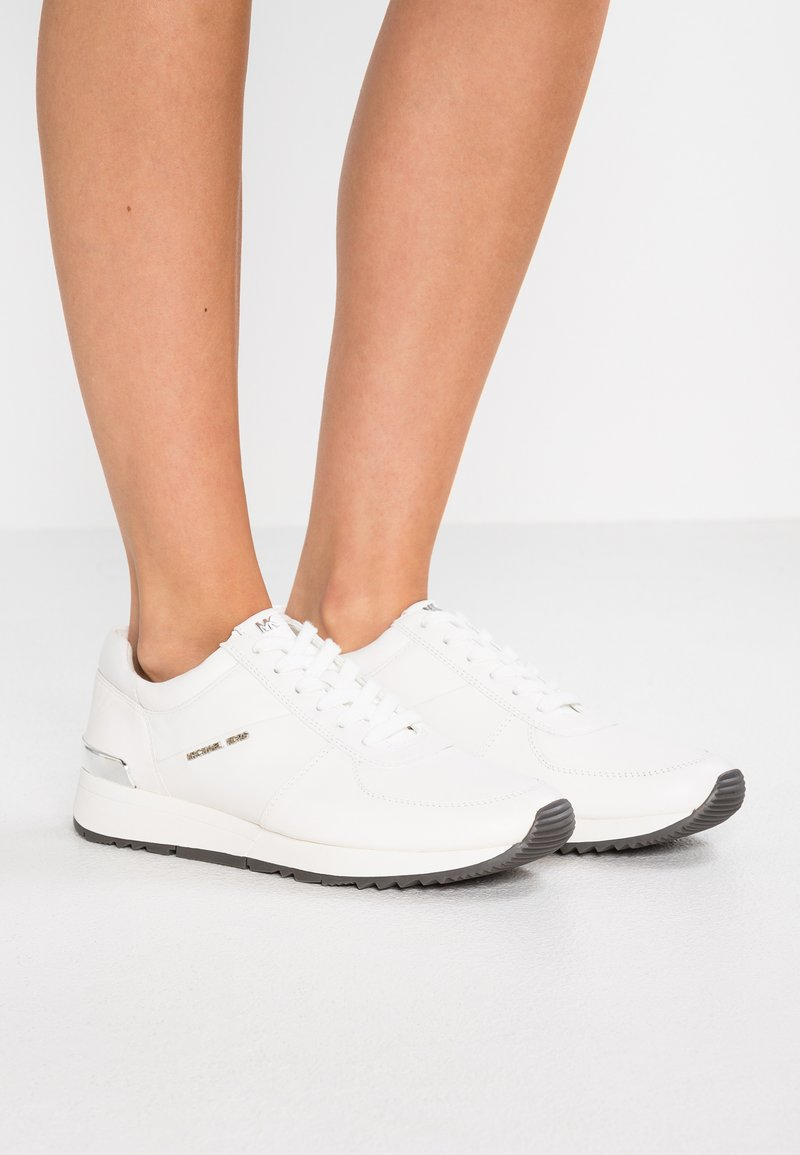 MICHAEL Michael Kors - ALLIE - Sneaker low - optic white