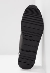 MICHAEL Michael Kors - ALLIE - Baskets basses - black - 6