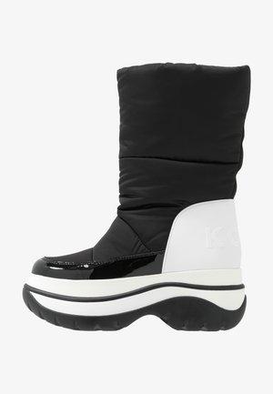 GAMMA BOOTIE - Zimní obuv - black/optic white
