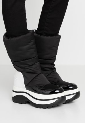 GAMMA BOOTIE - Śniegowce - black/optic white