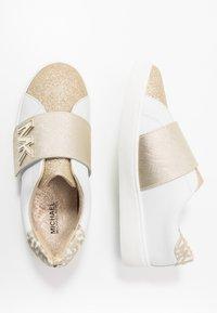 MICHAEL Michael Kors - ZIA JEM GLEAM - Sneakersy niskie - white/gold - 0