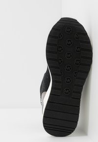 MICHAEL Michael Kors - ZIA NEO ORA - Zapatillas altas - black - 5