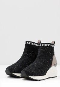 MICHAEL Michael Kors - ZIA NEO ORA - Zapatillas altas - black - 3