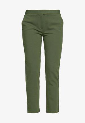 ELVE SLIM FIT TROUSER - Pantaloni - ivy