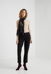 MICHAEL Michael Kors - ELVE SLIM FIT TROUSER - Bukser - black - 1