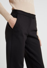 MICHAEL Michael Kors - ELVE SLIM FIT TROUSER - Bukser - black - 4