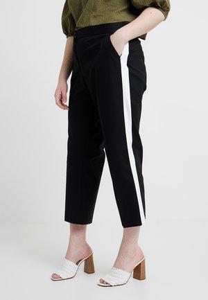 PLUS TRACK - Pantalon classique - black