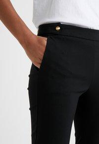 MICHAEL Michael Kors - ANKLE PANT - Kalhoty - black - 4