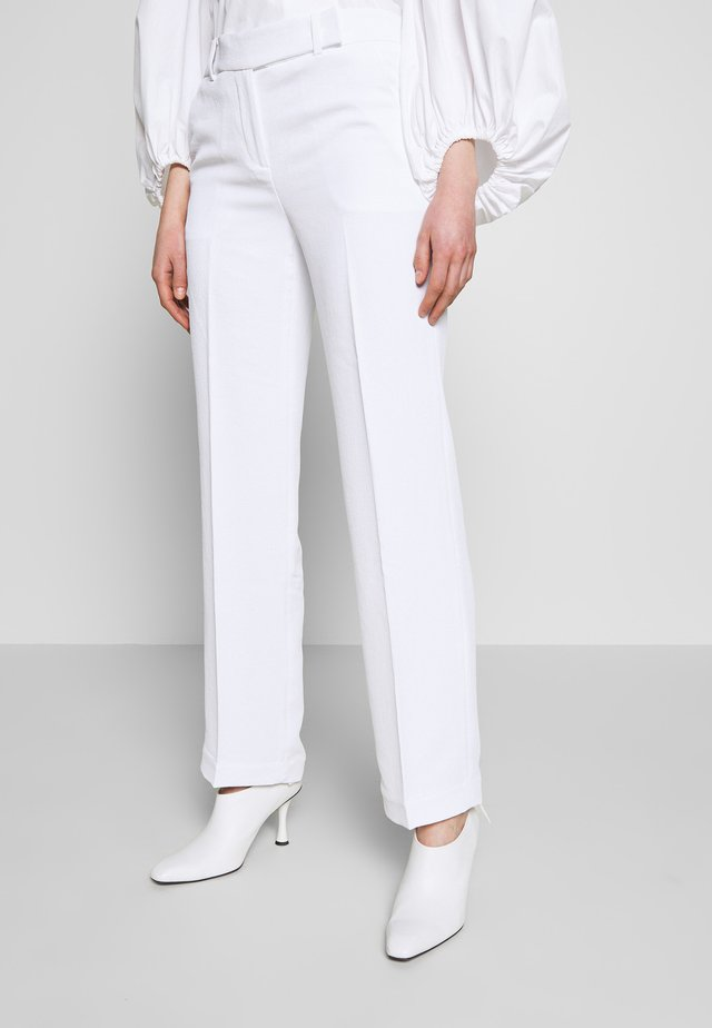 STRAIGHT LEG PANT - Trousers - white