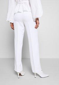 MICHAEL Michael Kors - STRAIGHT LEG PANT - Kalhoty - white - 3