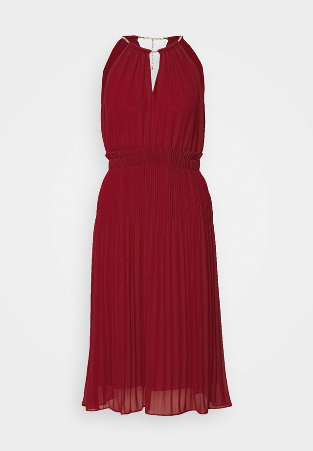 CHAIN NECK MIDI DRESS - Cocktailkjoler / festkjoler - maroon
