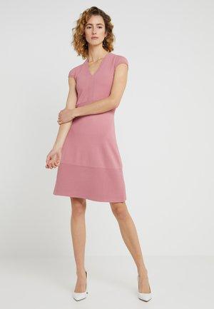 FLAR DRESS - Strikket kjole - dusty rose
