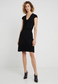 MICHAEL Michael Kors - FLAR DRESS - Strikket kjole - black - 0
