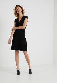 MICHAEL Michael Kors - FLAR DRESS - Strikket kjole - black - 1