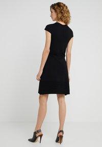 MICHAEL Michael Kors - FLAR DRESS - Strikket kjole - black - 2