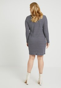 MICHAEL Michael Kors - PLUS STRIPED DRESS - Pletené šaty - true navy/white - 3