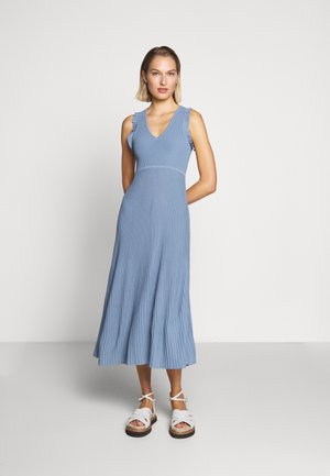 PLEATED RUFFL DRESS - Abito in maglia - chambray