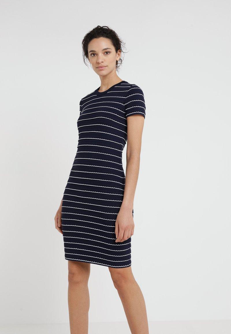 TIPPED SCALLOP DRESS - Strickkleid - true navy/white