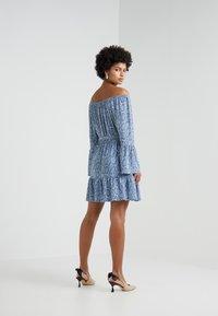 MICHAEL Michael Kors - SNAKE WIDE - Vestido ligero - blue - 2