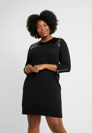3/4 DRSS - Pletené šaty - black