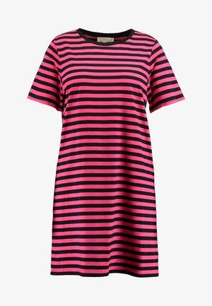 STRIPE - Sukienka z dżerseju - black/neon pink