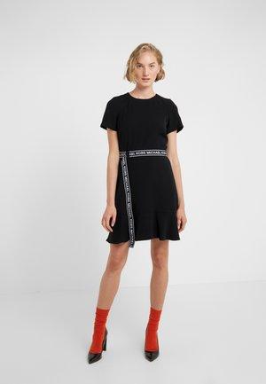 LOGO BELT DRESS - Denní šaty - black