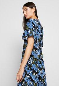 MICHAEL Michael Kors - BOLD FLARE DRESS - Vestito estivo - black/ vintage blue - 4