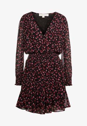 DRESS - Korte jurk - berry