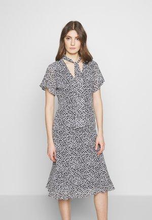 MIX TIE - Denní šaty - black/white