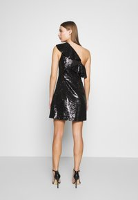 MICHAEL Michael Kors - SEQUIN DRESS - Koktejlové šaty / šaty na párty - black - 2