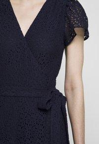 MICHAEL Michael Kors - LACE WRAP DRESS - Denní šaty - true navy - 7