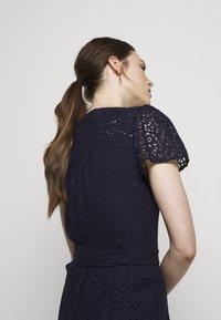 MICHAEL Michael Kors - LACE WRAP DRESS - Denní šaty - true navy - 4
