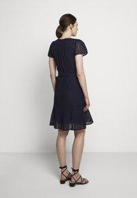 MICHAEL Michael Kors - LACE WRAP DRESS - Denní šaty - true navy - 2
