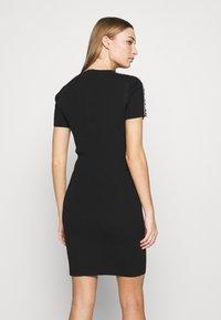 MICHAEL Michael Kors - CIRCLE TAPE DRESS - Pouzdrové šaty - black - 3